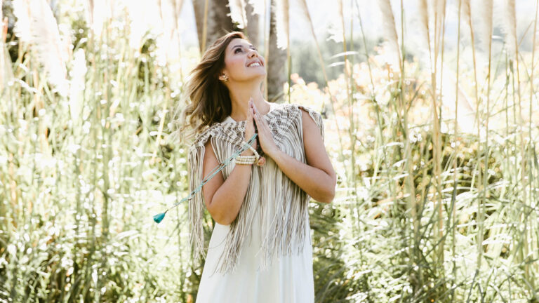 5 minutos para atraer tus deseos | Paola Gutiérrez Coach